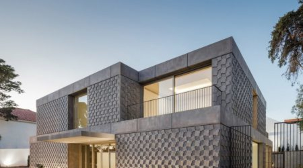 Egyptian Embassy in Lisbon features geometric bas-relief patterns on facade