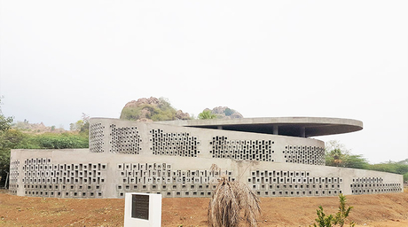Naples studio completes concrete music and art centre in India