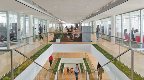 Steelcase Learning and Innovation Centre in Munich promotes collaboration through design
