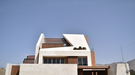 Residential project in Isfahan reinterprets courtyard design