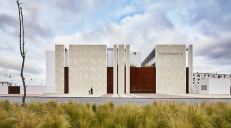 Moroccan architects Tarik Zoubdi and Mounir Benchekroun design a school for the port city of El Jadida