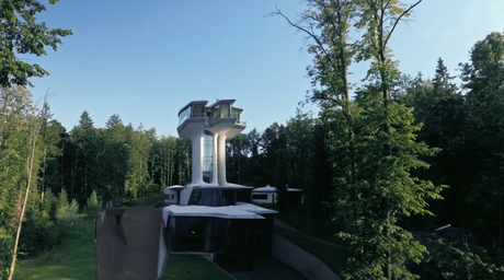 Video reveals concept behind futurisic home in Russia by Zaha Hadid