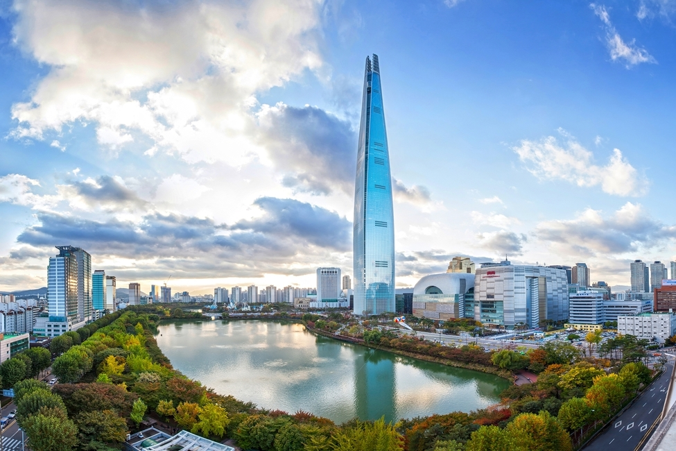 Architecture, Council on Tall Buildings and Urban Habitat, CTUBH, Lotte Tower officetel, Seoul. high rises, Skyscrapers, South Korea, Urban living