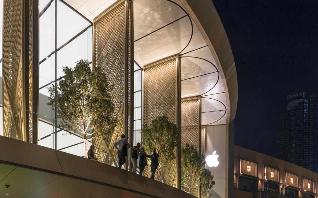 Apple, Apple store, Apple store Dubai, Architects, Architecture, Art, Dubai, Dubai Mall Apple store, Foster + Partners, Installation, Kinetic installation, New Dubai Apple store, Retail, Retail design, Shopping mall, Store opening, Temperature, The Dubai Mall