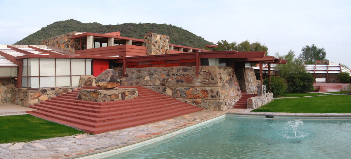 Architecture, Architecture tourism, Frank Lloyd Wright, Frank Lloyd Wright trial, Modernism, Taliesin, Trekkers, Wisconsin, World Heritage Site